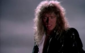 "Whitesnake: clássico ""Is This Love"" de 1987 ganha nova versão no YouTube"