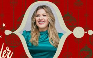 "Kelly Clarkson se une a Brett Eldredge no novo single ""Under The Mistletoe"""